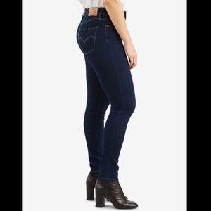 NWOT Levi's 721 High Rise Skinny Jeans sz 26